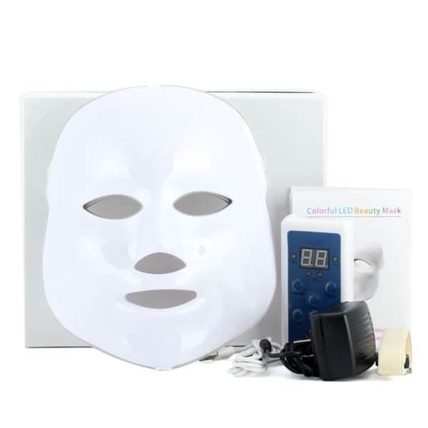 Dit is een led masker om lichttherapie uit te voeren.