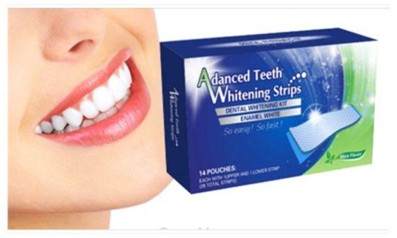 Deze teeth whitening strips hebben de eigenschap u tanden een paar tinten witter te maken. De strips verwijderen het vuil van u tanden.
