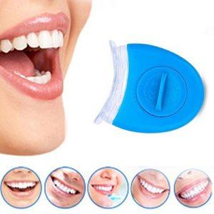 Deze teeth whitening kit zorgt er voor dat u binnen no time stralende witte tanden heeft.