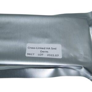 Op deze foto worden fillers voor de lippen afgebeeld. Deze fillers zitten in de verpakking. Dit zijn fillers op basis van hyaluronzuur.